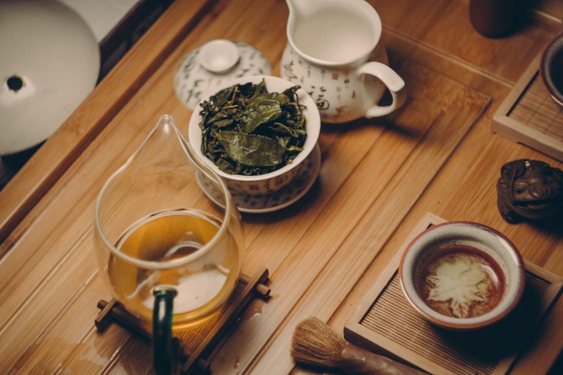 Legenda čajem provátá