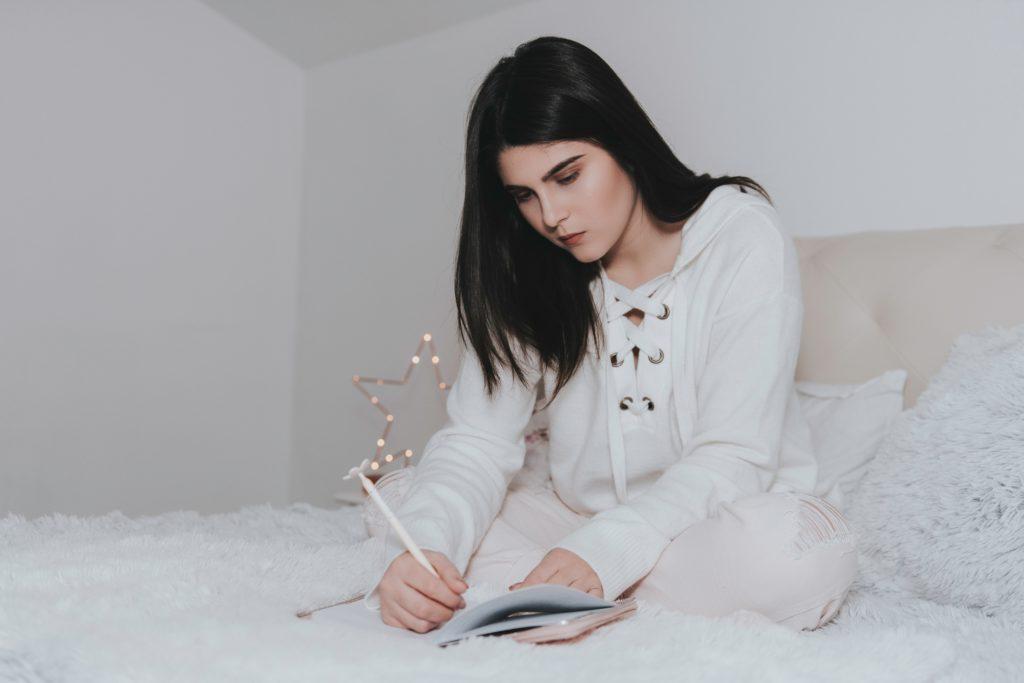 Svůj deník pro všechny myšlenky můžete mít vždy po ruce. Nezmeškejte jedinečné příležitosti, které nabízí život okolo nás.